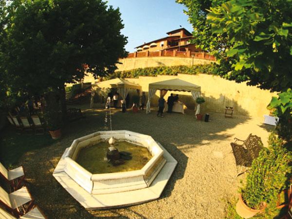 Parco del Bric Resort, una location immersa nella natura per un matrimonio tra daini e pavoni